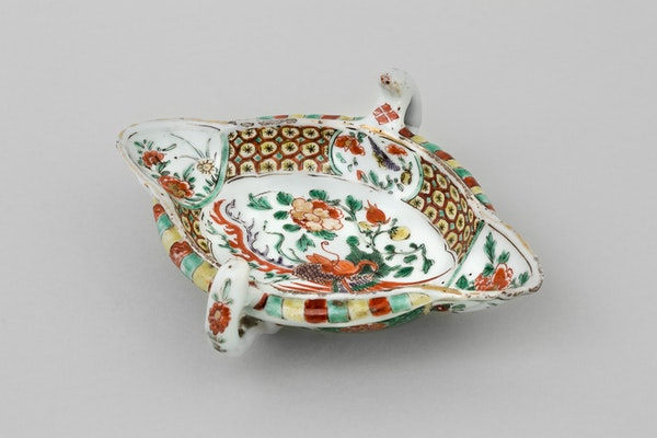 A CHINESE FAMILLE VERTE SAUCE BOAT, KANGXI (1662-1722) - image 1