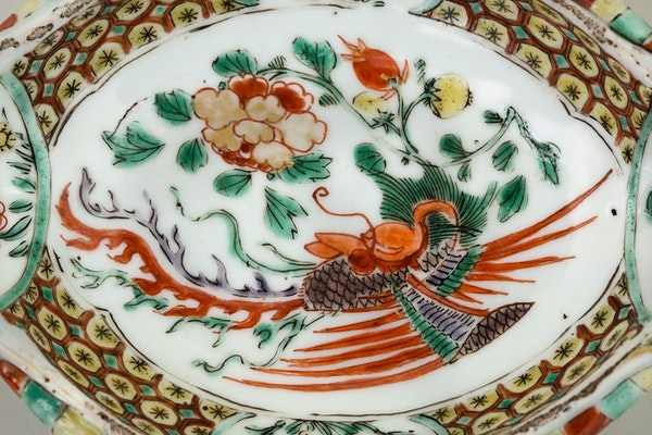 A CHINESE FAMILLE VERTE SAUCE BOAT, KANGXI (1662-1722) - image 2
