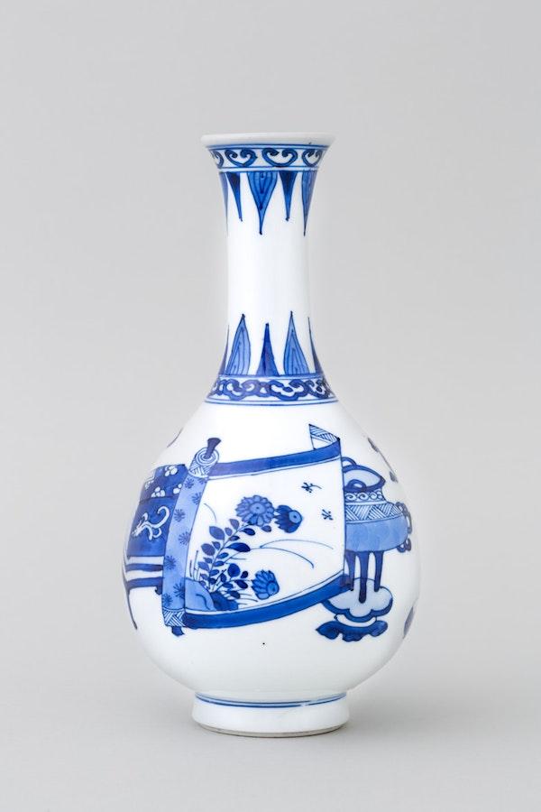 A CHINESE BLUE AND WHITE 'HUNDRED ANTIQUES' BOTTLE VASE, KANGXI (1662 – 1722) - image 1
