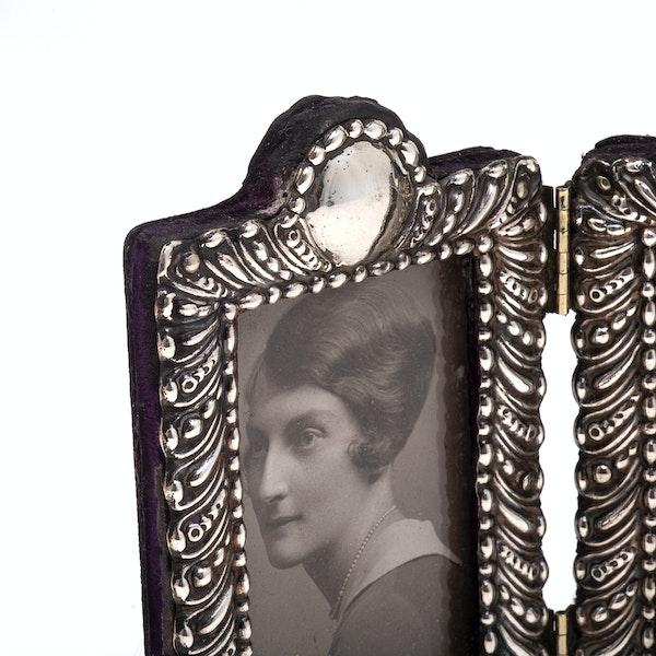 A silver antique double folding frame - image 2