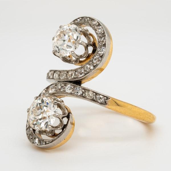 Edwardian Toi et Moi diamond ring - image 3