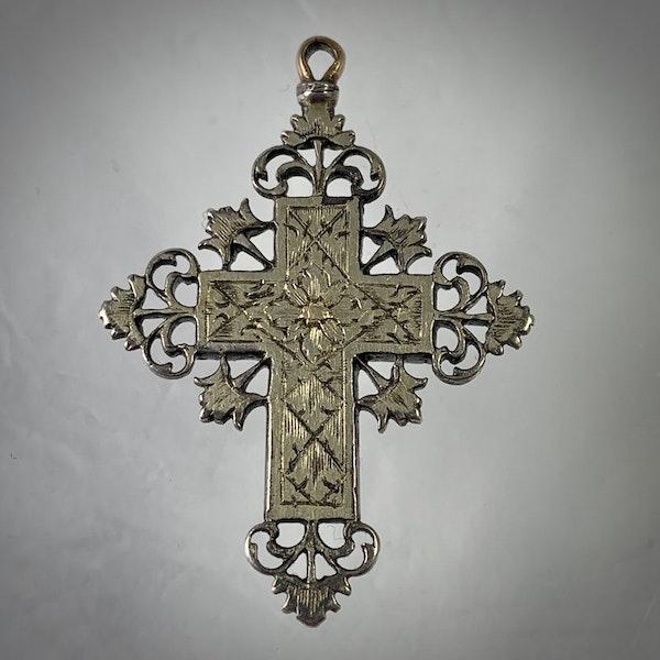 Seventeenth century cross with emeralds - image 3