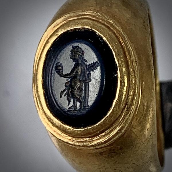 Ancient Roman intaglio ring - image 2