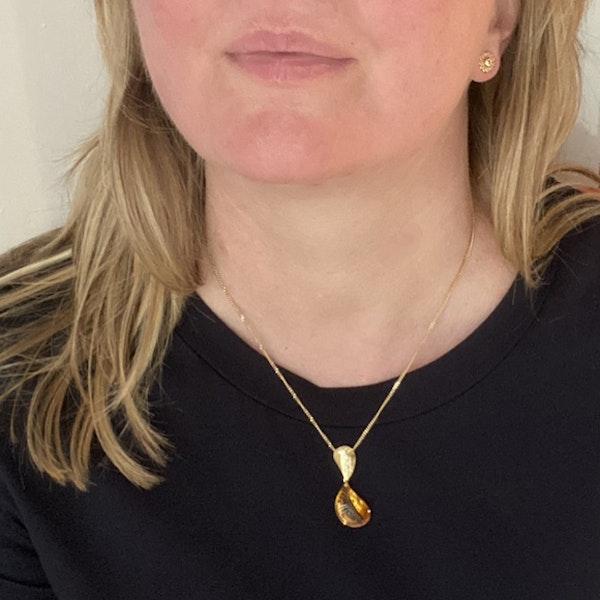 Sheffield 2004, 18ct Yellow Gold Citrine & Diamond stone set Pendant, SHAPIRO & Co - image 2