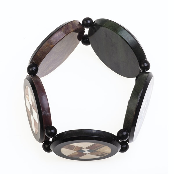 A 1930s Onyx and Agate Bracelet - image 2