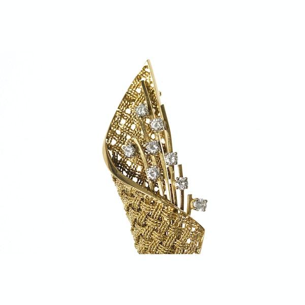 Vintage Brooch of Basket Weave Design in 18 Carat Gold & Diamonds, English circa 1950. - image 2