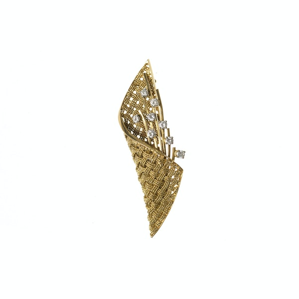 Vintage Brooch of Basket Weave Design in 18 Carat Gold & Diamonds, English circa 1950. - image 1