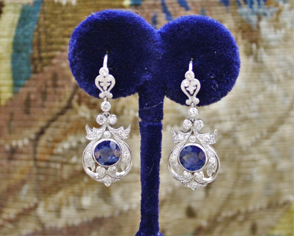 An exceptionally fine pair of Natural Sapphire and Diamond Drop Platinum Earrings, English, Circa 1910. - image 1