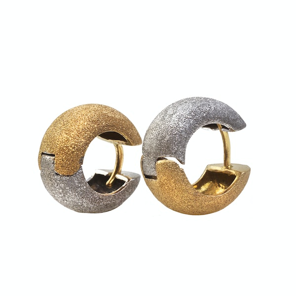 A 1980s Pair of Two Tone Frosted Earrings - image 2
