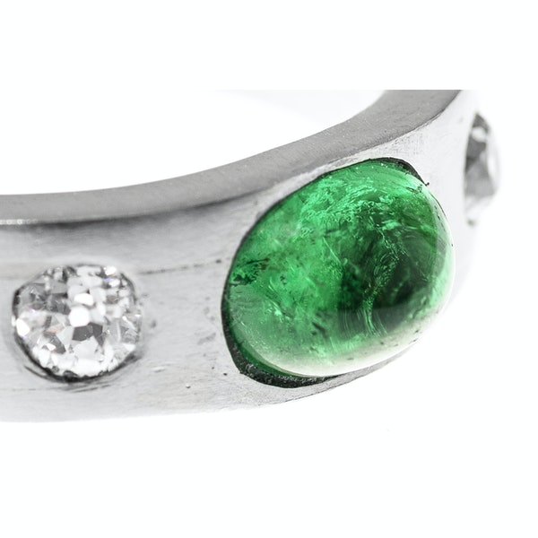 Vintage Platinum Ring with Colombian Emerald and Old Brilliant Cut Diamonds, English circa 1990. - image 4