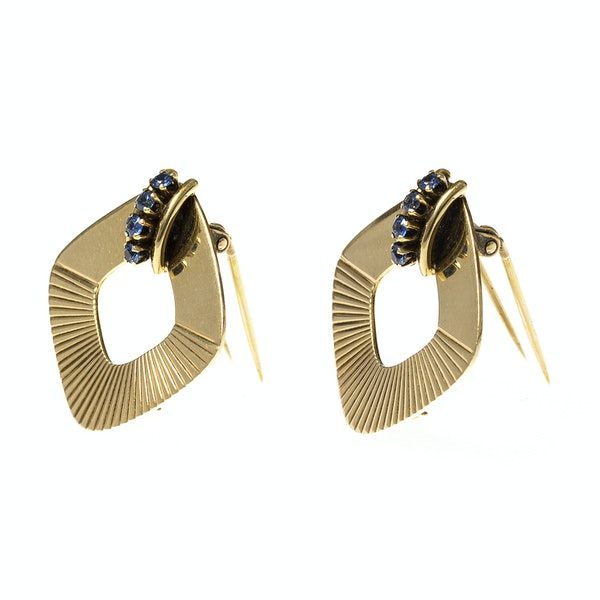 Vintage Tiffany Pair of Clip Brooches in 14 Karat Gold with Sapphires, New York circa 1950. - image 3