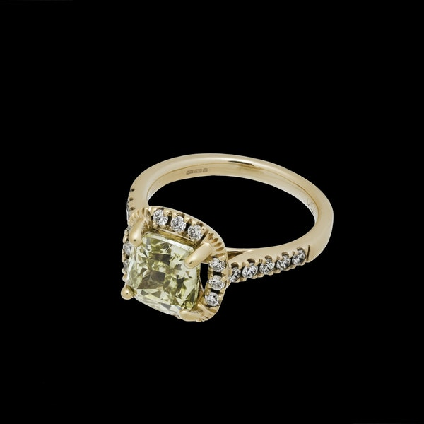 18K Yellow Gold 2.59ct Natural Fancy Yellow Diamond Ring - image 1