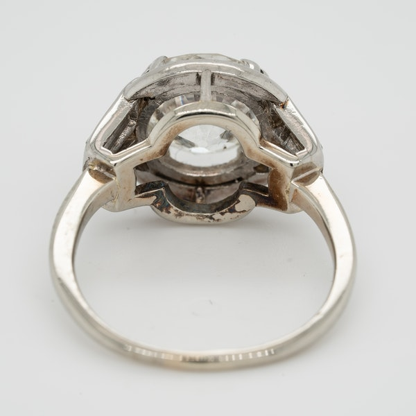 Diamond Art Deco solitaire ring in platinum - image 4