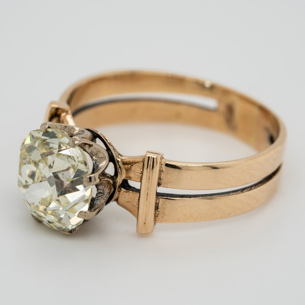 Diamond solitaire ring - image 3