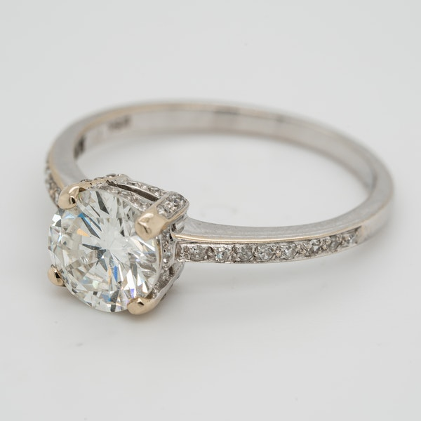 Diamond solitaire Ring . 1.20 ct est. centre diamond - image 2