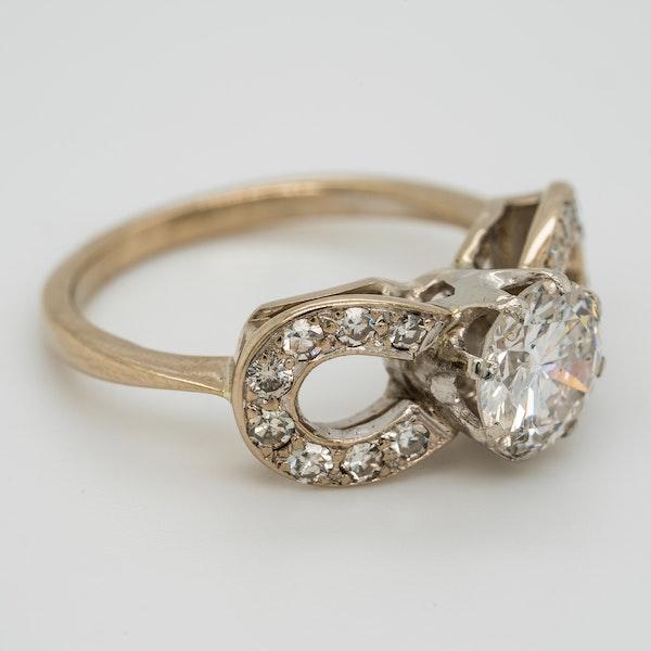 Diamond solitaire ring. Centre stone 1.10 ct est. - image 2
