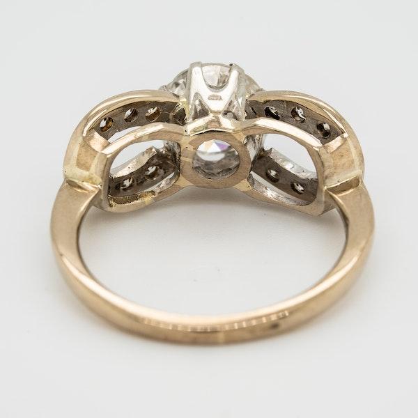 Diamond solitaire ring. Centre stone 1.10 ct est. - image 4