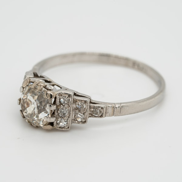 Platinum diamond solitaire ring. 1.15 ct est. centre diamond - image 2