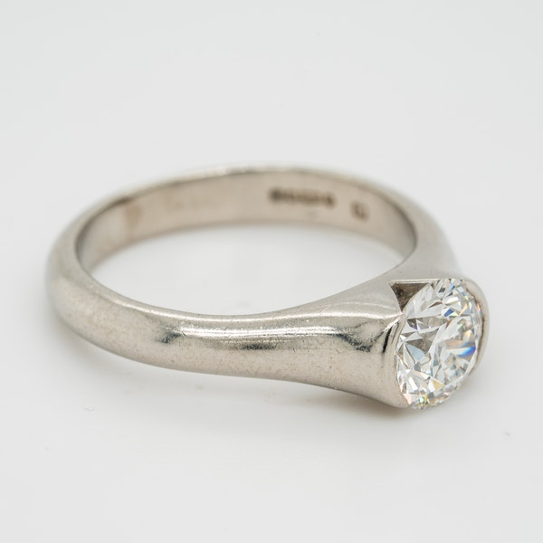 Diamond solitaire ring. 1.01 ct diamond with certificate - image 2