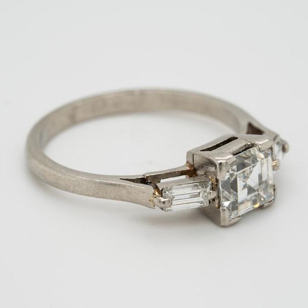 Art Deco diamond ring, asscher cut , 1 .25 ct est. centre with diamond shoulders - image 2
