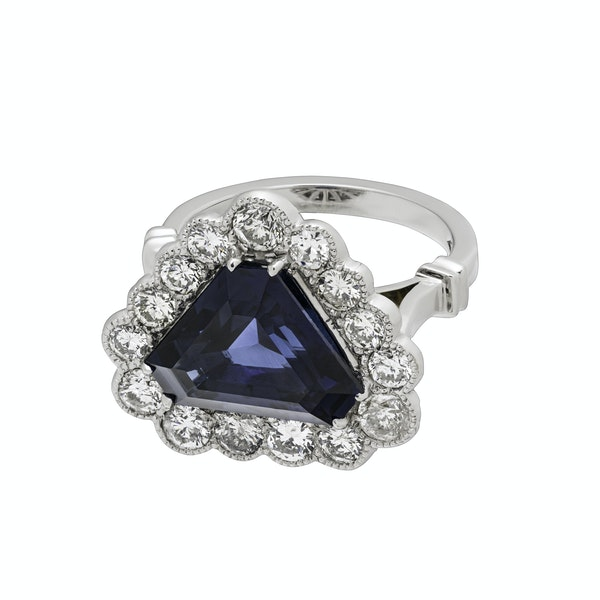 18K white gold 6.46ct Natural Blue Sapphire and 1.57ct Diamond Ring - image 4
