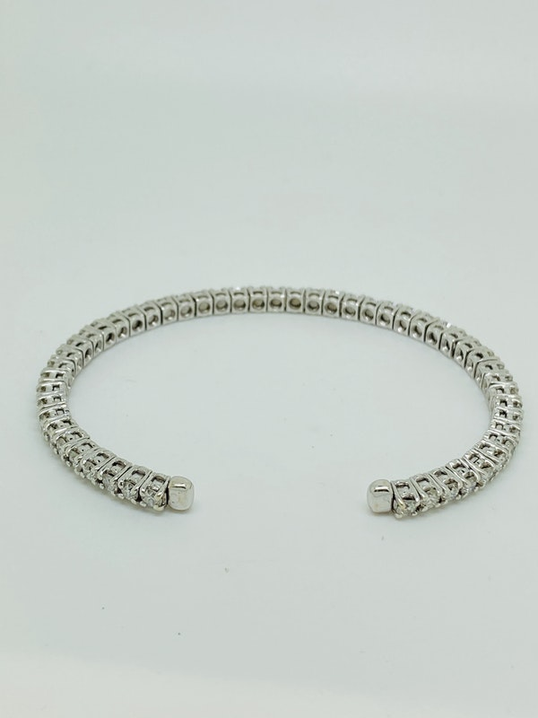 18K white gold Diamond Bangle - image 4