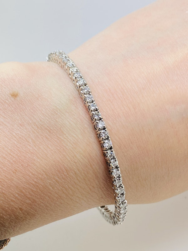 18K white gold Diamond Bangle - image 3