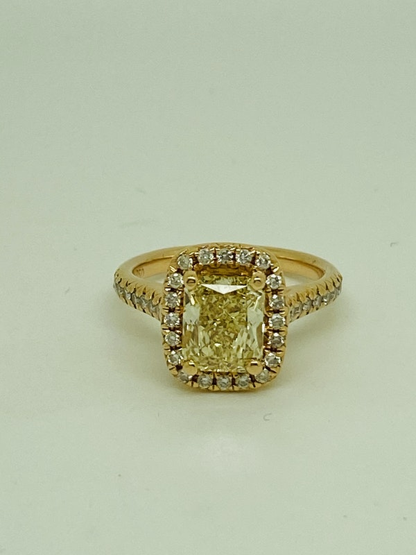 18K Yellow Gold 2.22ct  Natural Fancy Yellow Diamond Ring - image 1