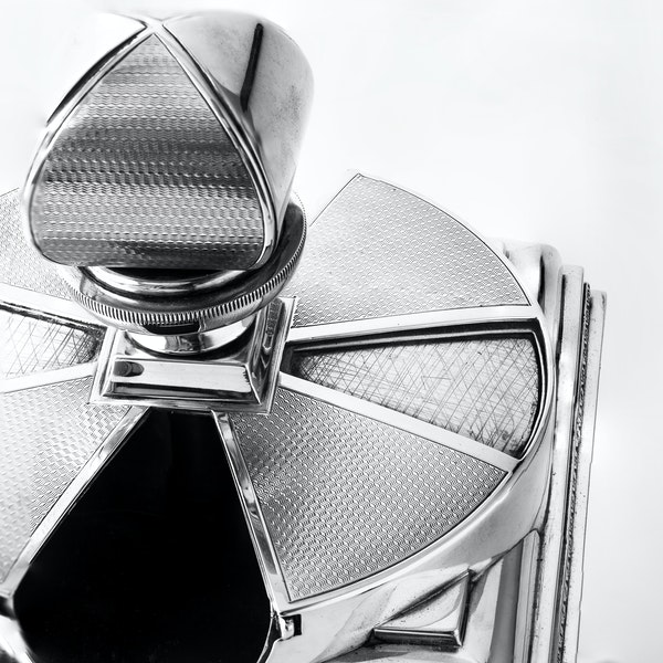 Magnificent Art Deco Silver Cigarette Box with elegant swivel action by ASPREY - image 4