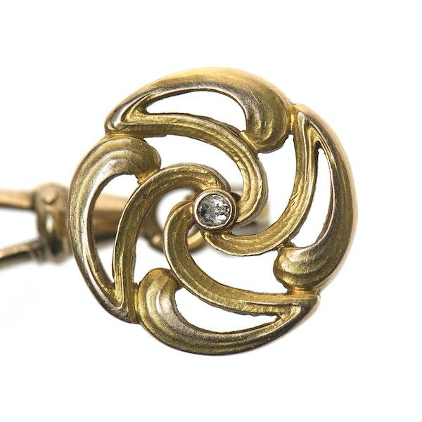Art Nouveau Openwork Cufflinks in 14 Karat Gold with Central Diamond, Austrian circa 1900. - image 2