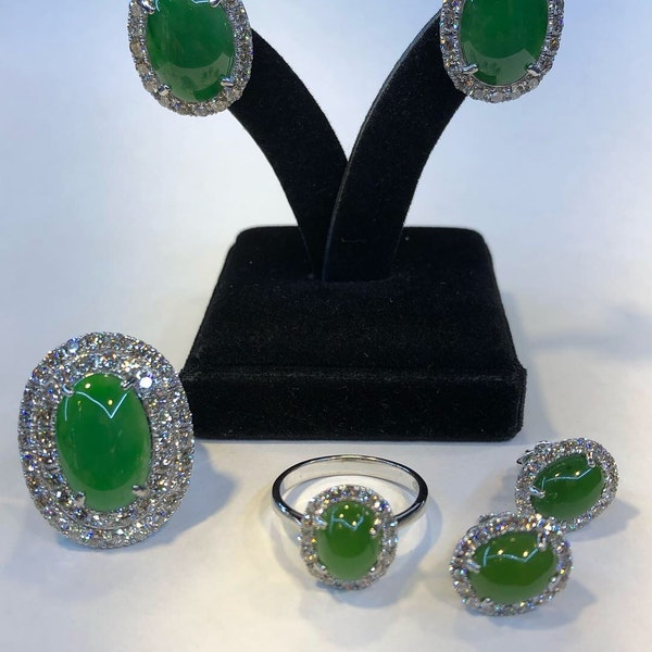 18K white gold 4.96ct Natural Jade and 2.45ct Diamond Ring - image 3