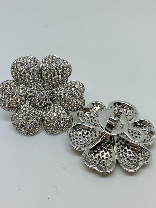 18K white gold 7.60ct Diamond Earrings - image 4