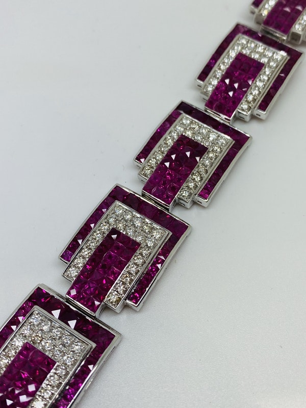 18K white gold 23.17ct Natural Ruby and 5.20 Diamond Bracelet - image 4