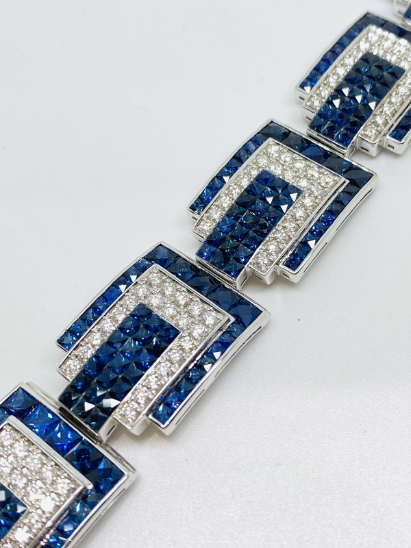 18K white gold 23.05ct Natural Blue Sapphire and 6.24ct Diamond Bracelet - image 2