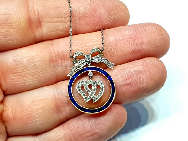 Edwardian sapphire and diamond entwined heart pendant  DBGEMS - image 3