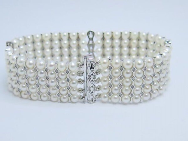 18K white gold Pearls and Diamond Bracelet - image 2