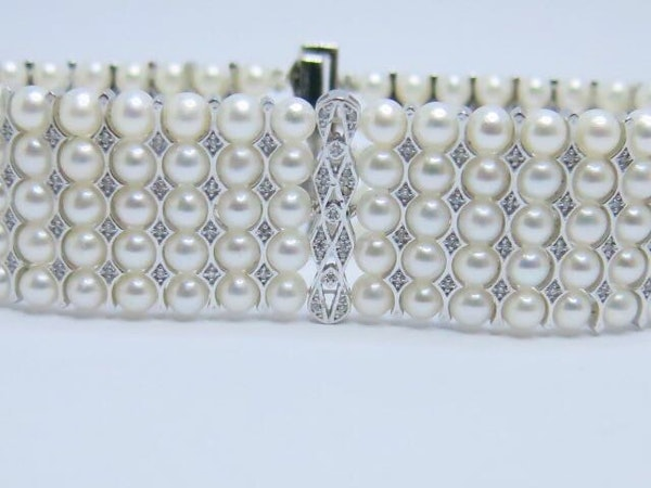 18K white gold Pearls and Diamond Bracelet - image 3