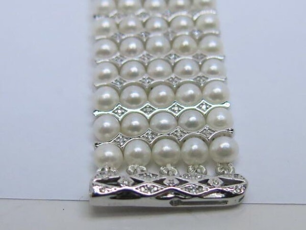 18K white gold Pearls and Diamond Bracelet - image 6