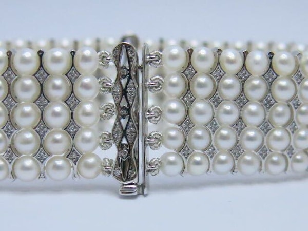 18K white gold Pearls and Diamond Bracelet - image 7