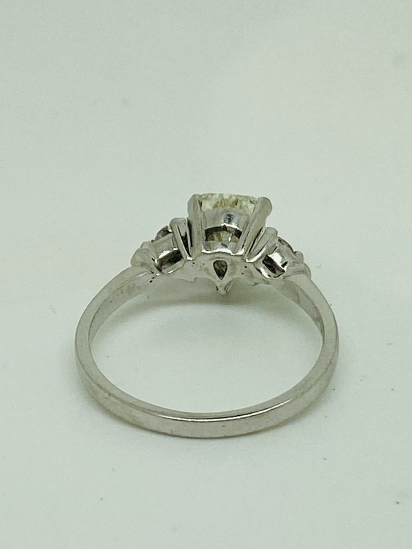 18K white gold, 1.10ct Diamond Engagement Ring - image 2