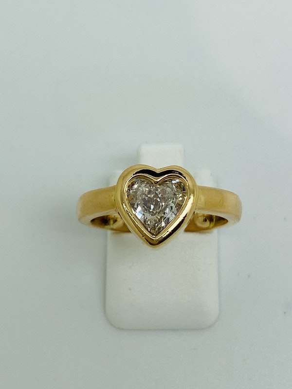 18K yellow gold, 1.16ct Diamond Solitaire Engagement Ring - image 5