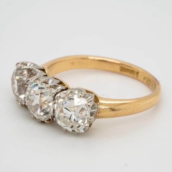 Antique diamond trilogy engagement ring - image 3