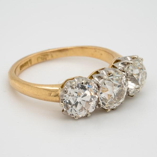 Antique diamond trilogy engagement ring - image 2