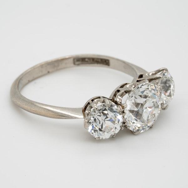 Cushion cut diamond engagement ring - image 2