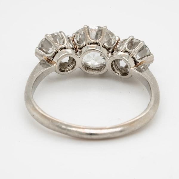 Cushion cut diamond engagement ring - image 3