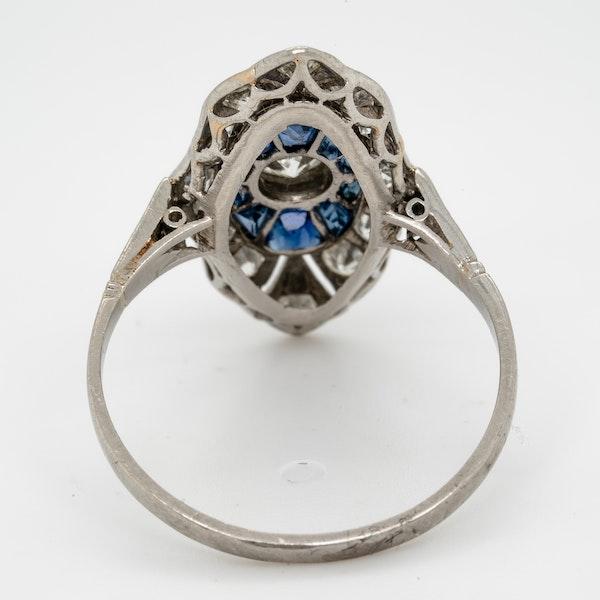 art deco sapphire and diamond target engagement ring  DBGEMS - image 4
