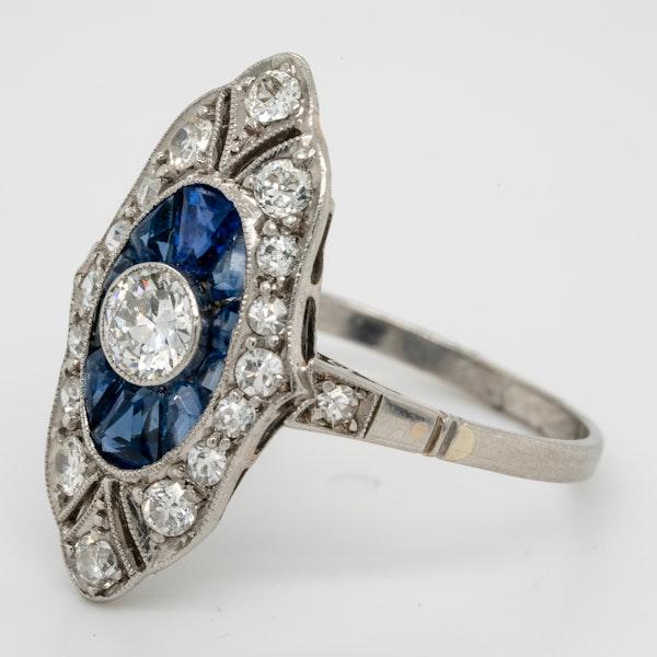 art deco sapphire and diamond target engagement ring  DBGEMS - image 3