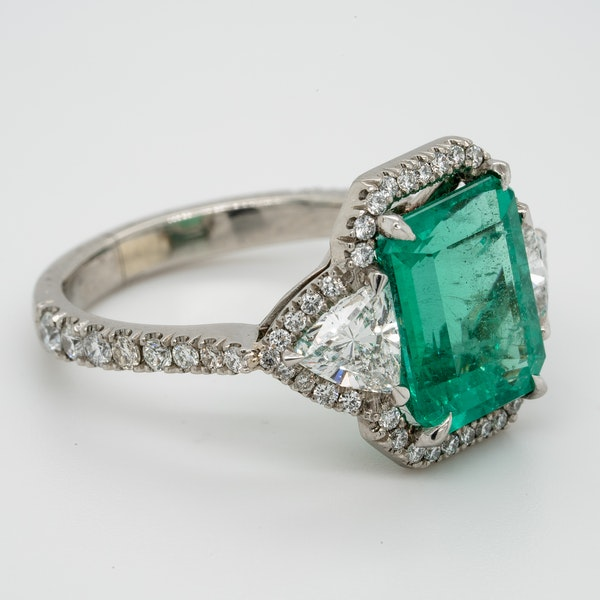 Emerald and Diamond Ring  DBGEMS - image 2