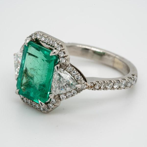 Emerald and Diamond Ring  DBGEMS - image 4