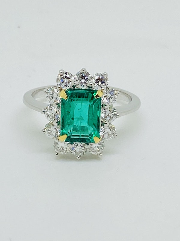 18K white gold 1.92ct Natural Emerald and 0.96ct Diamond Ring - image 5